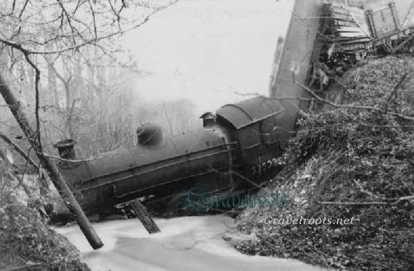 Accident In Surrey Today >> Midhurst Train crash - part of The Rother Valley Guide, West Sussex, England, UK